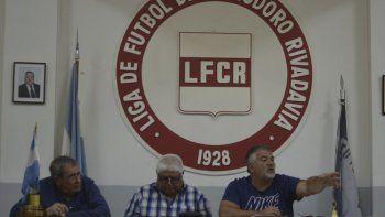 Ariel Bordeira, junto a Orlando Lamas y Oscar Ruiz, fueron los moderadores de la reunión donde se modificó el formato de juego.