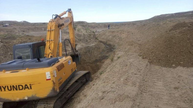 Vialidad Provincial inició los trabajos  de construcción del puente que permitirá reabrir el camino Perón
