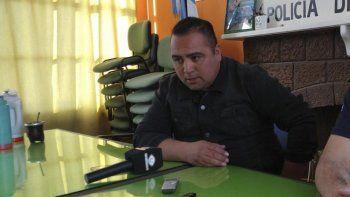 Cristian Montesino presentó un amparo judicial para que sea reincorporado a la Policía del Chubut.