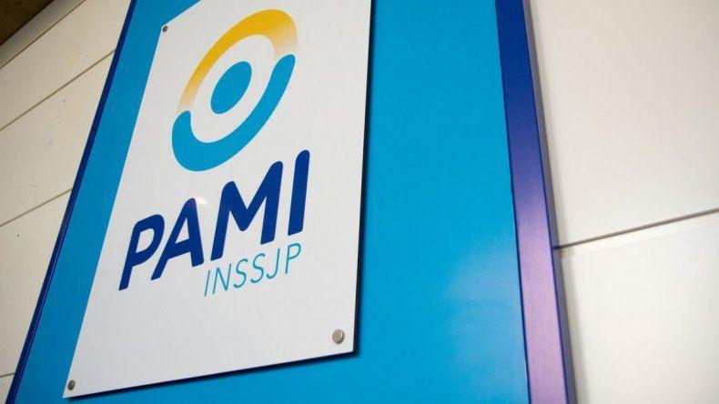 El macrismo dejó una millonaria deuda y peligra la atención en farmacias a PAMI