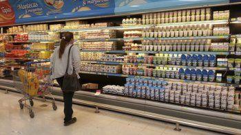 La compra de lácteos ha sido una de las prioridades de las familias beneficiadas con la Tarjeta AlimentAR.