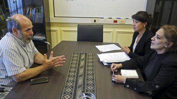 La ministra Cecilia Torres Otarola se reunió con el presidente de la Comisión Nacional de Microcrédito, Alberto Gandulfo.