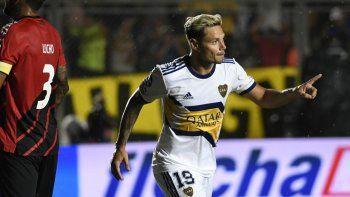 Boca le ganó a Paranaense con dos goles de Zárate y uno de Reynoso