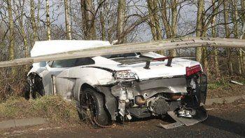 El Lamborghini deportivo del exarquero de la selección argentina quedó destrozado.