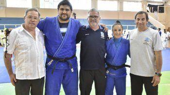 Los capacitadores Héctor Campos y Oritia González acompañados por Miguel Sosa, Hernán Martínez y Carlos Portas.