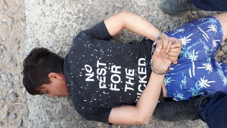 Persecución por un robo en Km. 5 terminó con tres detenidos