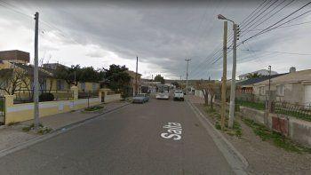 investigan la muerte de una nena de 13 anos en el barrio jose fuchs