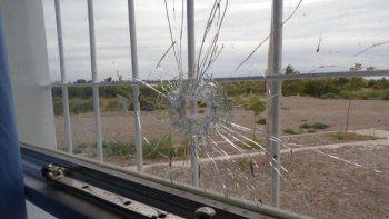 insolito: balearon la comisaria que fue robada en diciembre