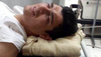El delincuente que se enfrentó a tiros con efectivos del Comando Radioeléctrico, fue trasladado al Hospital Zonal donde permanece internado con fuerte custodia.