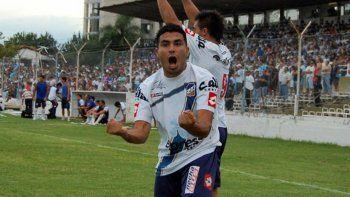 El delantero Claudio Acosta es nacido en Salta y llega proveniente de Juventud Antoniana.