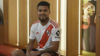 El chileno Paulo Díaz reconoce que cada vez se siente más cómodo en la defensa de River.
