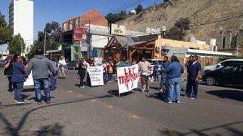 Trabajadores del Hospital Regional se manifestaron en la Yrigoyen