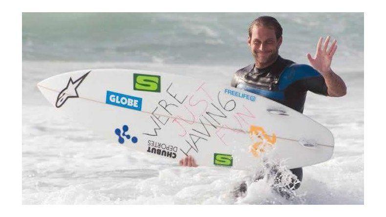 El trelewense Marcelo Rodríguez busca filmar un documental en la costa chubutense para difundir el surf.