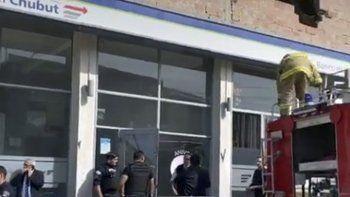 Un principio de incendio en el edificio donde se encuentra la sucursal del barrio Mosconi obligó a su cierre temporal.