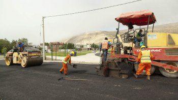 avanza el plan de pavimentacion del sector sur de rada tilly con fondos municipales