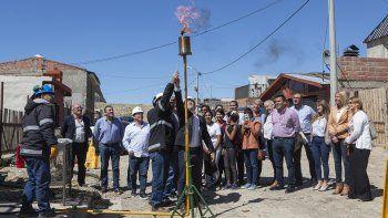 inauguraron una obra de red de gas que beneficiara a 300 familias del stella maris