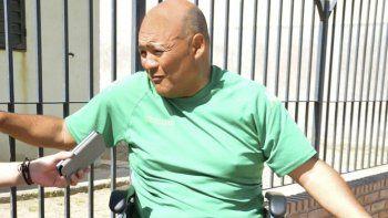 hombre en silla de ruedas acusa discriminacion en colectivos