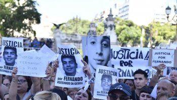 multitudinaria movilizacion frente al congreso para pedir   justicia por fernando baez sosa