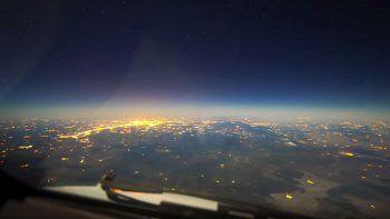 viaje nocturno de paris a buenos aires con luna llena