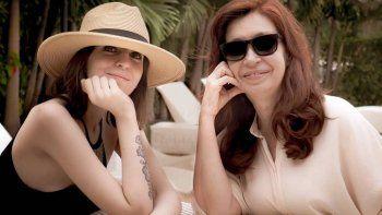 Florencia Kirchner le escribió un mensaje a Cristina por su cumpleaños