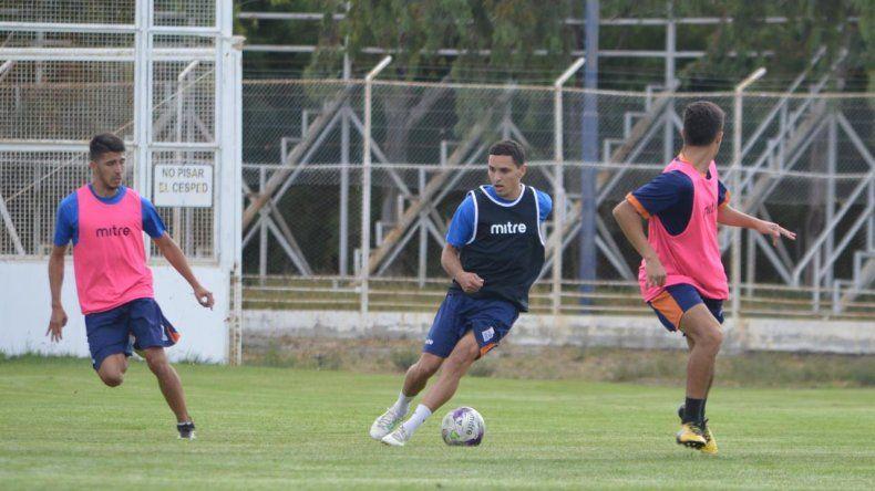 Jorge Gaitán había estado en el banco de suplentes frente a Germinal y podría hacer su debut esta temporada con la camiseta de CAI.