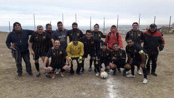 Oro Negro será anfitrión de un torneo de fútbol de veteranos en su cancha que tiene en el barrio La Floresta.