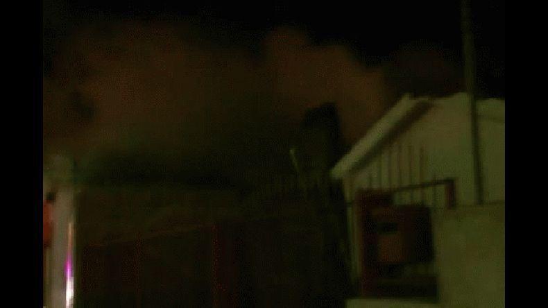 Anoche se incendió un bar y habitaciones de un local