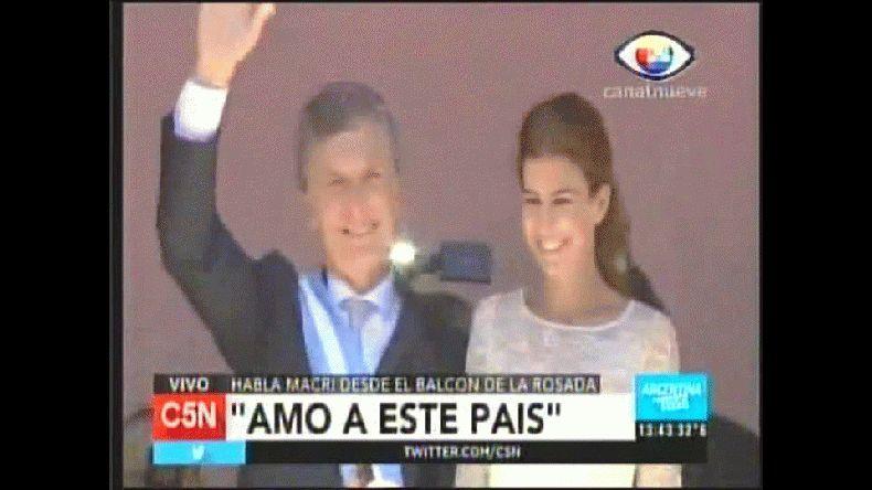 Macri bailó y Michetti cantó en el balcón de la Rosada