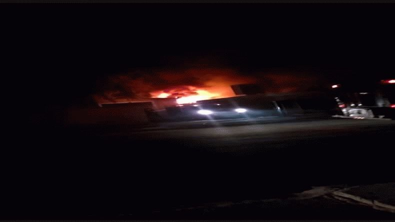 Se incendió la base de Petrosar en Sarmiento: hubo pérdidas totales