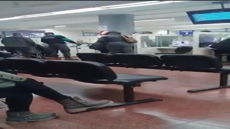 Cansada del maltrato en la oficina de AFIP explotó en llanto