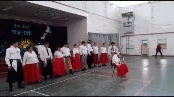 grupo anulen: su gente disfruta bailando