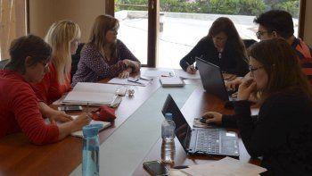 El equipo del ministerio de Desarrollo Social de la provincia, encabezado por la ministra Paola Vessvessian, comenzó ayer a estructurar el programa con su par de la comuna gregorense.