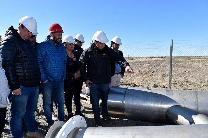 En el predio de la Planta de Osmosis Inversa ya se encuentran las partes de bombas para impulsión de agua y el material que se utilizará para el armado de dos tanques.