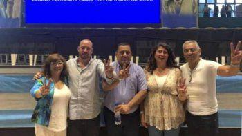 Jorge Soloaga –derecha– junto a Ana María Ianni, Guillermo Mercado y otras figuras del PJ santacruceño, estuvieron en el Congreso Nacional partidario.