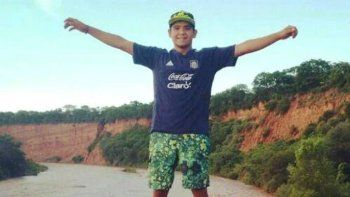 El equipo de búsqueda policial creado por la Unidad Regional Zona Norte confirmó que dos personas constaron el paso del menor Carlos Aguirre por la localidad chubutense de Dolavon.