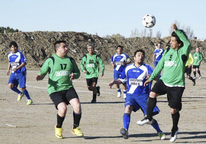 La Asociación Futbolistas Veteranos de Comodoro Rivadavia tuvo acción ayer con partidos de las categorías Senior