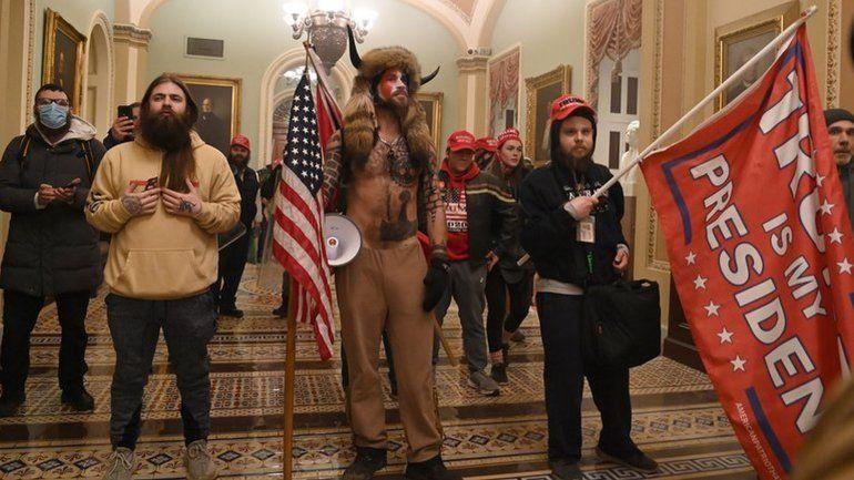 Activistas involucrados en toma del Capitolio pierden sus empleos