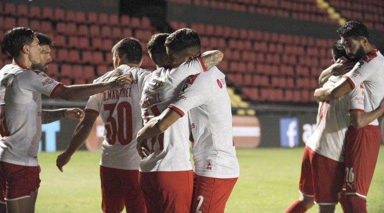 Independiente ganó en Santa Fe y clasificó a la fase Campeonato
