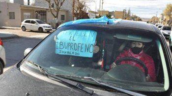 Ante la gran cantidad de personas que se contagiaron del virus y fallecieron en Río Gallegos, vecinos de esa ciudad volverá a reclamar hoy por la aplicación del ibuprofeno inhalado. (Foto: La Opinión Austral