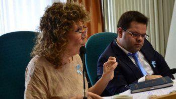 La diputada de Encuentro Ciudadano, Gabriela Mestelán, dijo que el desdoblamiento de las elecciones en Santa Cruz, fue pergeñado para favorecer a Alicia Kirchner y a Javier Belloni.