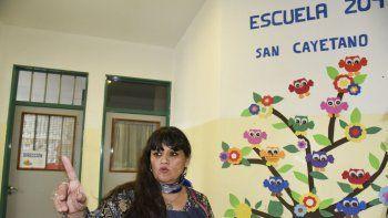 La directora de la Escuela 209, Cristina Oliva, informó que han dado recomendaciones a los niños y a los padres, además de tomar recaudos a la hora de entrada y salida de los escolares.